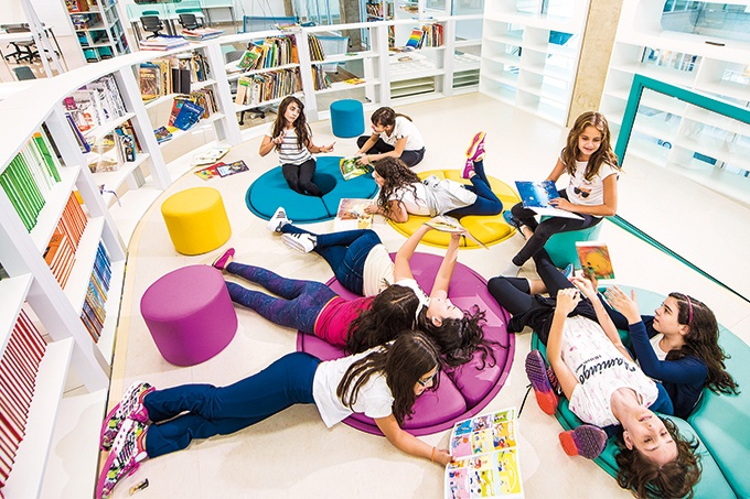 biblioteca-concept-escola